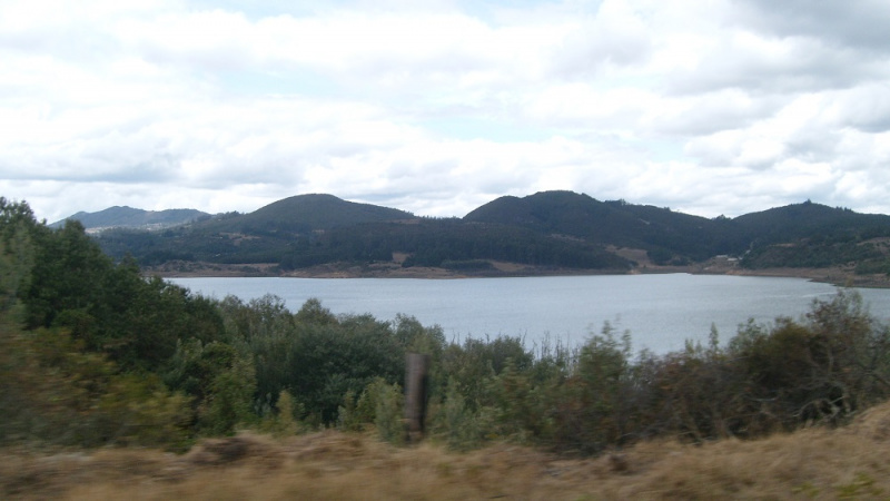 Archivo:Embalse-del-tomine.jpg